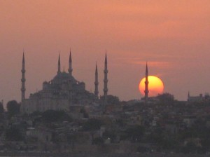 Sunset over Istanbul, Turkey (Helen Holter©2011)