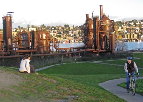 Gas Works Park, biker (Photo: Helen Holter)