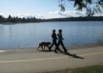 Green Lake: girls with dog