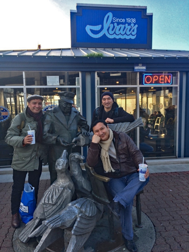 The guys hang out with the Ivar statue, eternally feeding the seagulls <br>A'Zam Obidov, Sanjar Said, Elyorjon Ehsonov in th